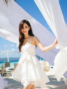 戶外清純美模吊帶白裙唯美夢幻小秀美乳