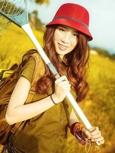 秋高气爽好风光的甜美少女阳光度假温馨瞬间