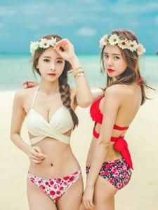 夏日阳光沙滩比基尼嫩模搞怪俏皮闺蜜日常