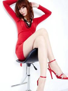 性感女人Kate优雅的气质迷人身段诱惑写真