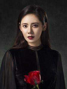 秋瓷炫中国杂志封面曝光