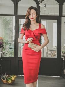 花草美模靓丽红裙美艳绝伦完美好身材