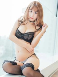 童颜巨乳妹子猫九酱sakura黑丝爆乳引诱写真