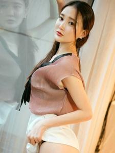 妖娆美女潇潇短裤翘臀前凸后翘美艳绝伦