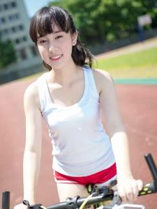 夏日背心馬尾單車少女運動陽光寫真