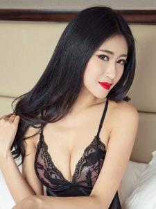 性感人妻情趣丁字裤床上大胆娇态诱人