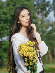 長發女神花朵般嬌艷美麗動人