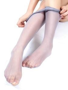 性感美女丝袜美腿翘臀惊艳写真