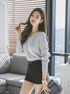 娇俏甜美美模毛衣短裤装保暖不失性感