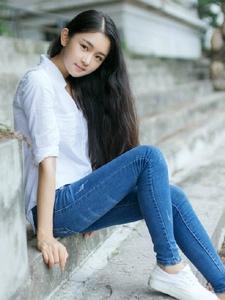 清純白襯衫牛仔褲氧氣少女純凈自然