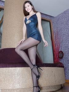 性感的美女胚子Olivia细腰长腿样样有