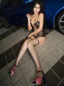 性感美女孟狐狸连体情趣黑丝细长美腿撩人