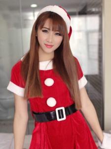 清純圣誕女郎區靜瑤睡衣甜美勾魂寫真