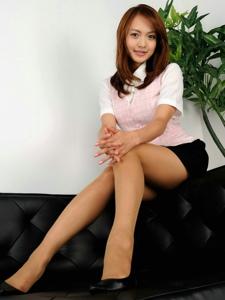 性感制服日本美女丝袜美腿美臀诱人