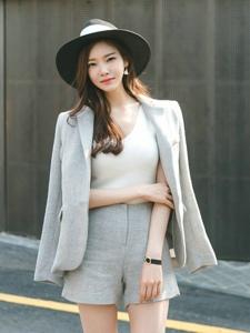 阳光下街头西装美模攻气足酷帅时尚