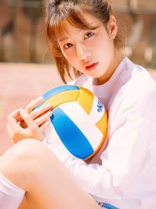 排球少女心爱马尾气质写真