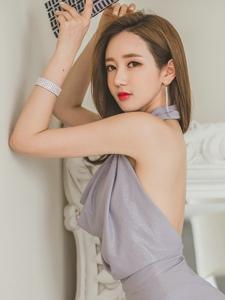 露背紫罗兰长裙美模性感娇媚吸晴实足