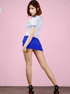 美胸微露超短性感轻熟女翘臀美腿引诱写真