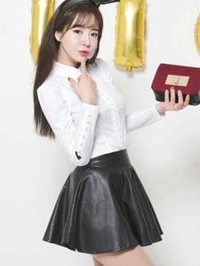 空气刘海嫩模超短皮裙简约时尚秀美姿