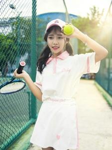 粉嫩少女活力網球寫真清純可人