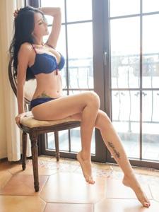 性感私房内衣长腿美女温馨俏丽气质动人