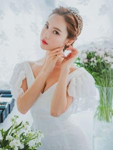朦胧性感的婚纱美模纯美写真尽显女神气质