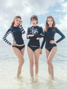 海边泳装美女模特曼妙身姿性感迷人