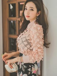 粉系碎花包臀裙美模靓丽迷人似少女