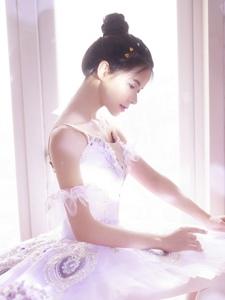 私房芭蕾舞美少女气质漂亮脸蛋