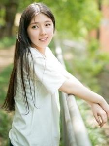 长发秀丽阳光少女温馨甜美粉嫩迷人