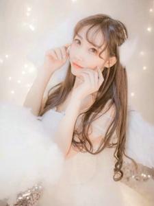 梦幻私房内清新少女白裙仙气十足