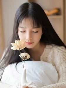 日系私房长发氧气少女娇俏可人