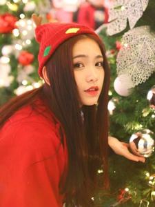 甜美圣诞女孩粉嫩性感娇俏可人