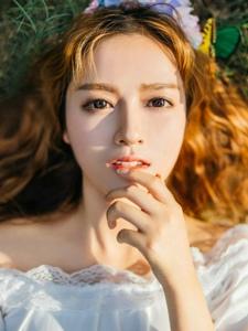 森系金发美女白皙漂亮宛如蝴蝶仙子