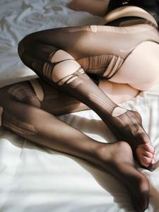 肥臀破洞黑丝美女情趣内衣大胆诱惑