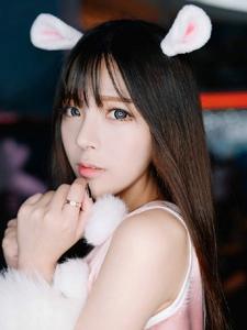 夏木颖mumu粉色兔子装甜美温馨动人写真
