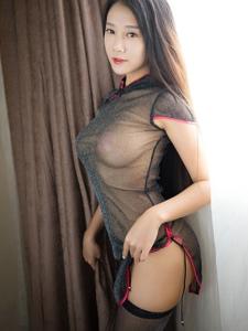 端庄气质美女猩一成熟丰满翘臀床上黑丝诱惑