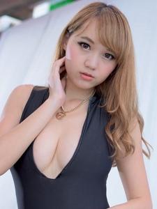 台湾邻家女孩黄镫娴丰满身材诱惑美胸写真