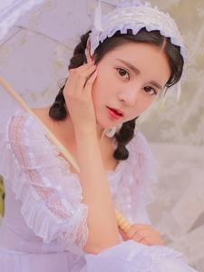 蕾丝白裙麻花辫清纯美女粉嫩诱惑写真