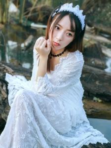 薄纱长裙美女海鸥岛写真白色长裙甜美动人