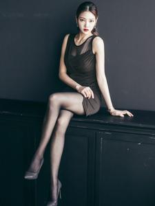 韩国美女模特朴正允超美高跟黑丝诱惑写真