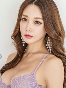 韓國風妝容內衣美女性感美胸粉嫩寫真