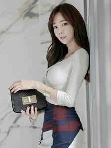 韓國裹臀職業裝高跟職場美女俏麗迷人寫真