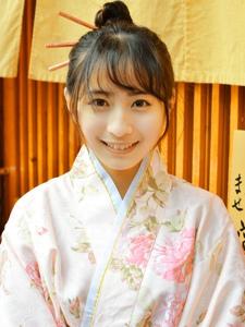 日本素颜和服美女夏日祭甜美迷人写真