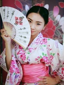 日系甜美女孩私房和服唯美写真