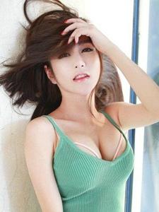 性感模特美女李七喜活力私房写真