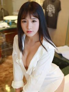 可爱嫩模思淇Sukiii私房性感写真酥胸诱人写真