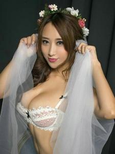爆乳美女新娘性感巨乳誘惑寫真