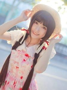 清新长发甜美少女粉色连衣裙温馨阳光写真