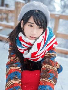 冬季甜美白皙少女清新郊外写真养眼可人